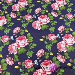 kwiaty róże różowe na granatowym tle