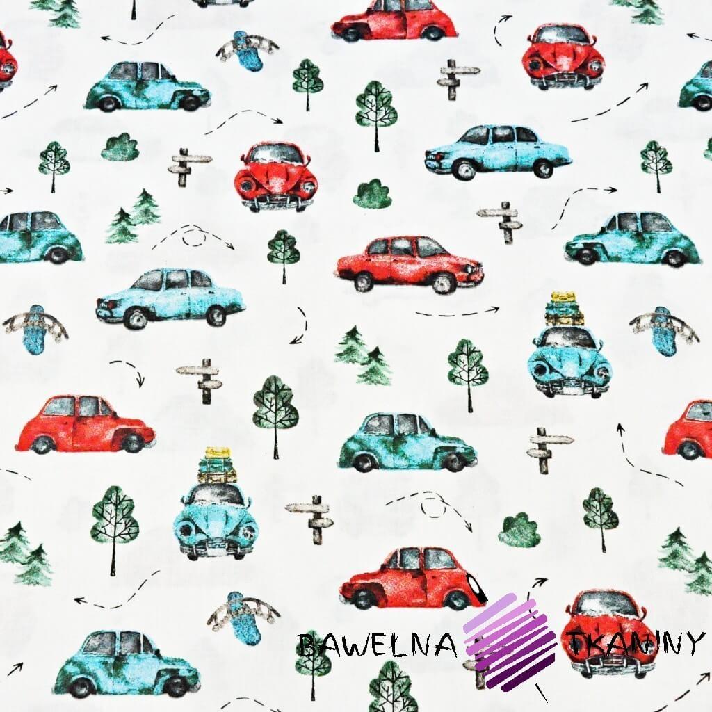 Bawełna samochody garbusy turkusowo czerwone na białym tle