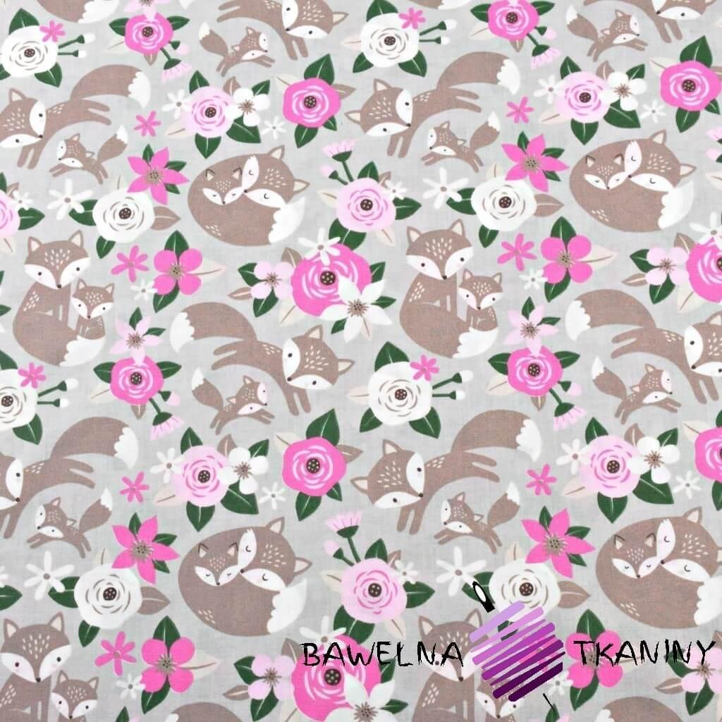 liski beżowe z kwiatkami różowymi na szarym tle