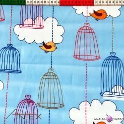 Ptaszki na niebieskim tle
