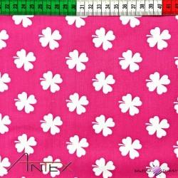 Bawełna koniczyna biała na różowym tle