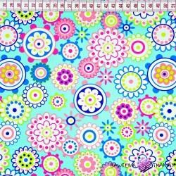 Bawełna kolorowe kwiaty w kołach na morskim tle