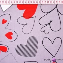 Bawełna serca biało czerwono szare na szarym tle