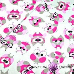 Bawełna sówki szaro różowe w okularach na białym tle