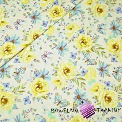 Bawełna kwiatki z motylkami żółto niebieskie na ecru tle.