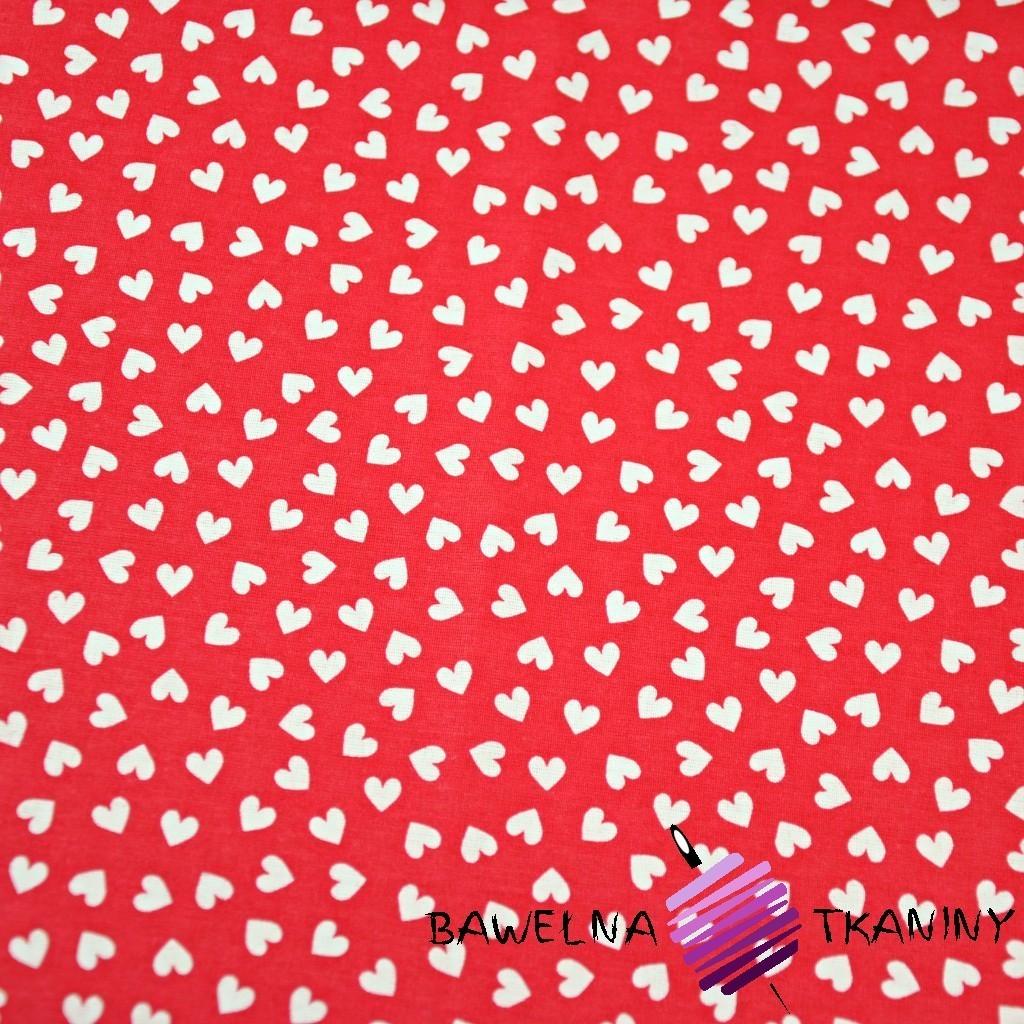 Bawełna serduszka MINI białe na czerwonym tle