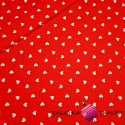 serduszka 8mm białe na czerwonym tle