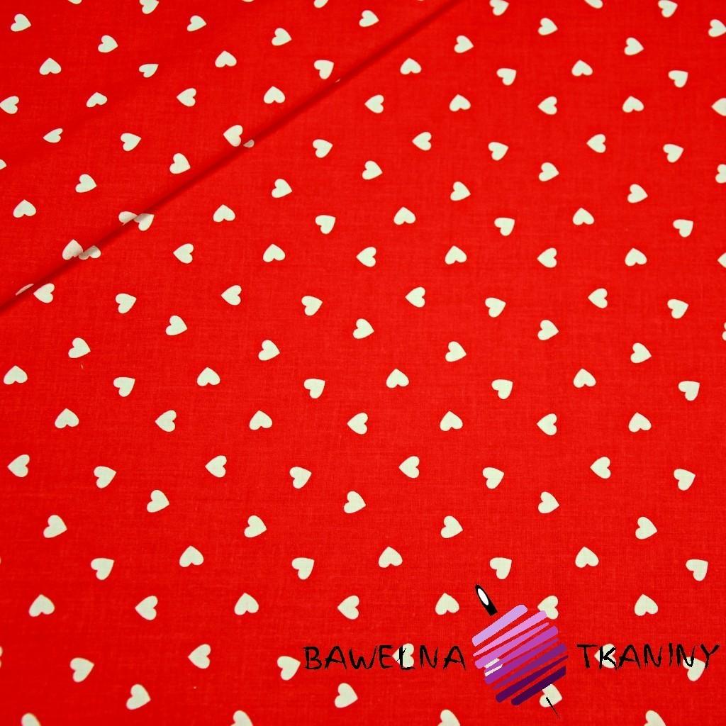 Bawełna serduszka 8mm białe na czerwonym tle