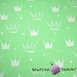 Bawełna korony z kropkami białe na zielonym tle