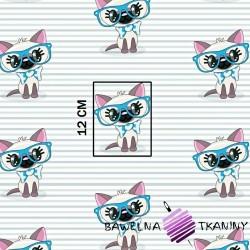 Bawełna koty w niebieskich okularach na pasiastym tle