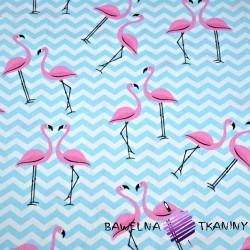 Bawełna flamingi z błękitnymi zygzakami na białym tle