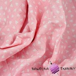 Muślin bawełniany serduszka na różowym tle