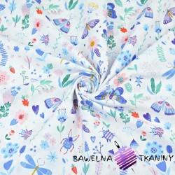 owady na łące niebieskie na białym tle