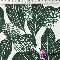 liście z ananasami ciemno zielone na białym tle