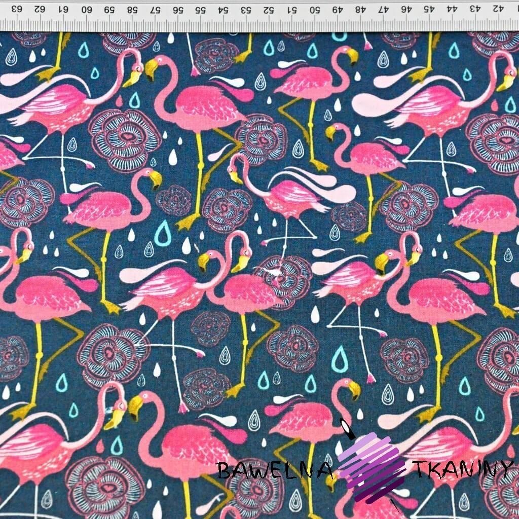 flamingi różowe na szmaragdowym tle